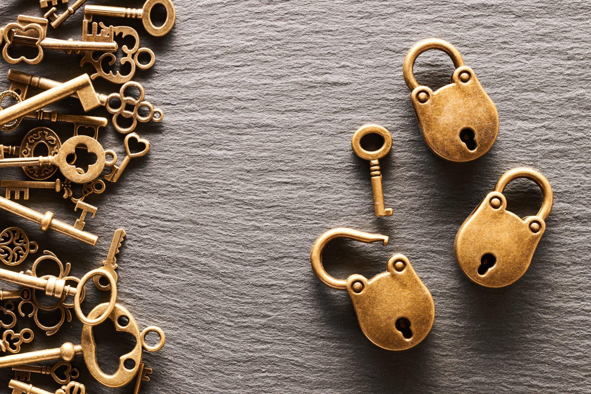 various-metal-keys-escape-rooms