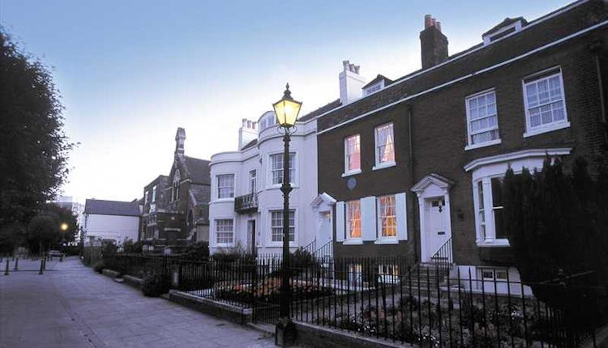 dickens-birthplace